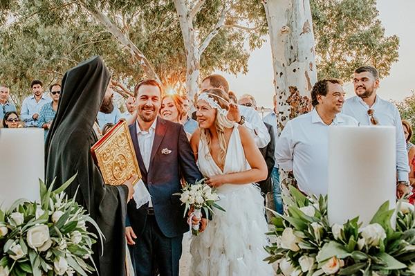 romantic-summer-wedding-aegina-white-roses-eucalyptus_27