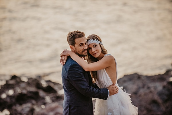 romantic-summer-wedding-aegina-white-roses-eucalyptus_34