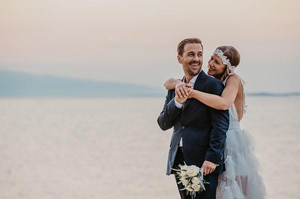 romantic-summer-wedding-aegina-white-roses-eucalyptus_37