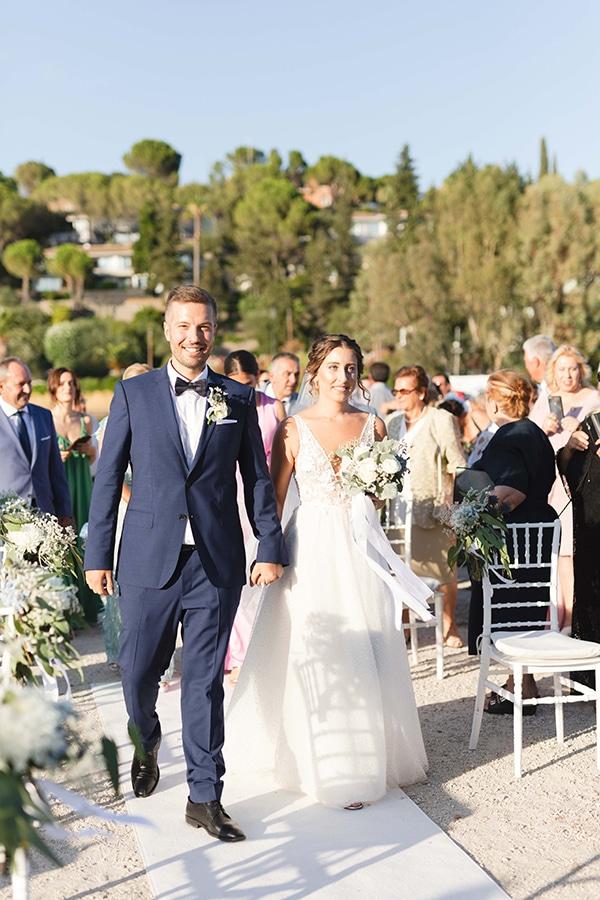 romantic-summer-wedding-corfu-white-roses-light-blue-touches_17