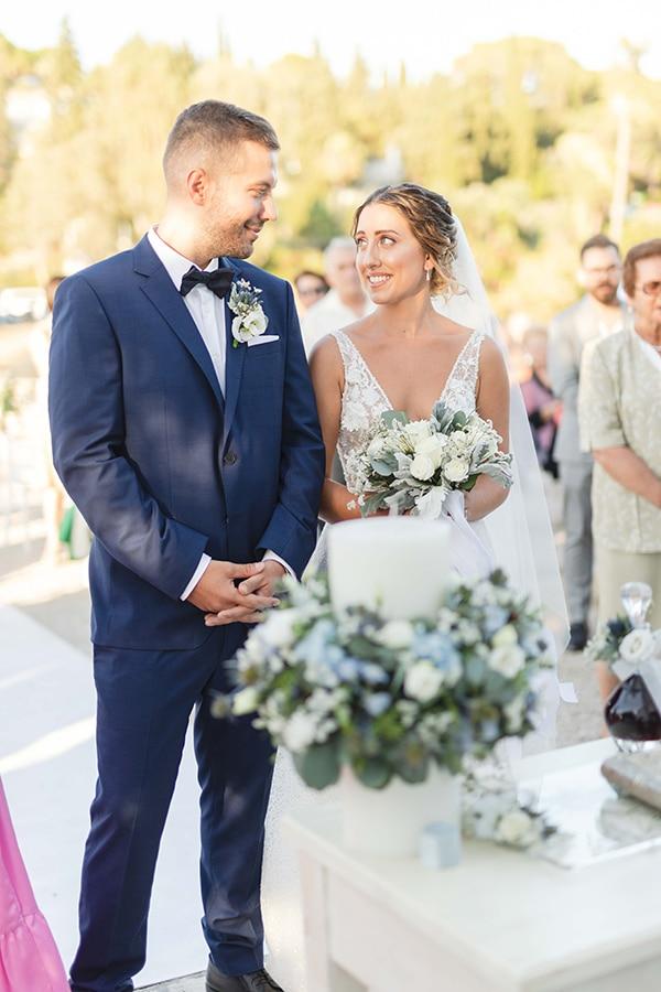 romantic-summer-wedding-corfu-white-roses-light-blue-touches_18