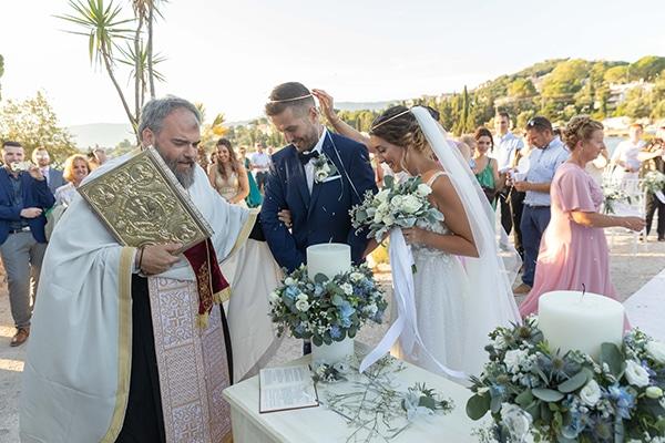 romantic-summer-wedding-corfu-white-roses-light-blue-touches_21