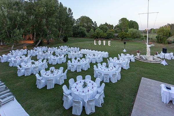 romantic-summer-wedding-corfu-white-roses-light-blue-touches_24