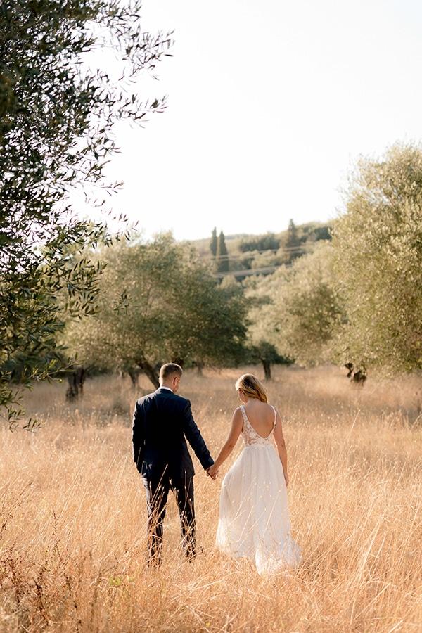 romantic-summer-wedding-corfu-white-roses-light-blue-touches_28x