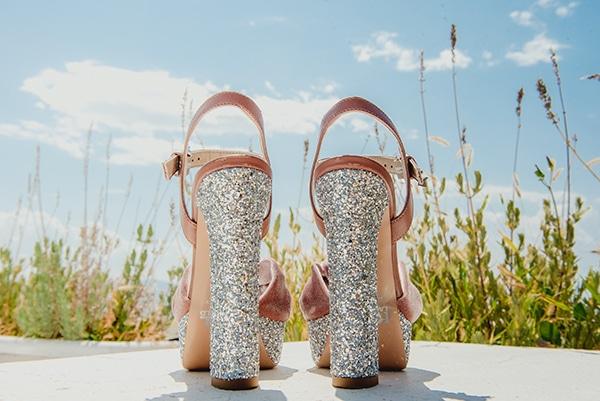 romantic-summer-wedding-lake-iraiou-lycianthus-baby-breath_04