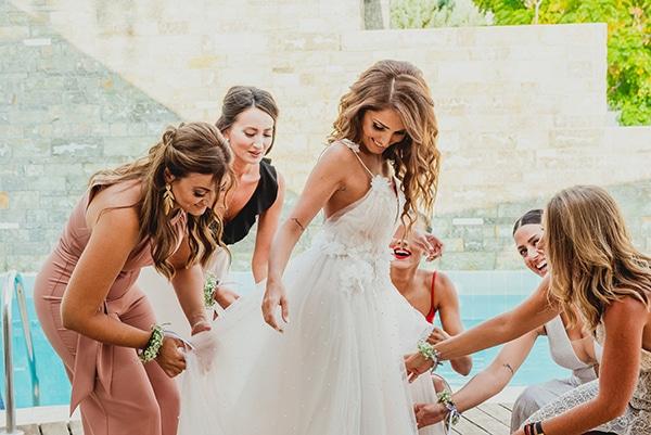 romantic-summer-wedding-lake-iraiou-lycianthus-baby-breath_06