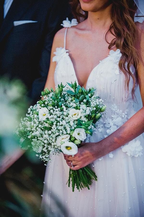 romantic-summer-wedding-lake-iraiou-lycianthus-baby-breath_23x