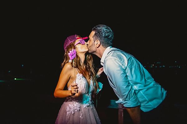romantic-summer-wedding-lake-iraiou-lycianthus-baby-breath_32