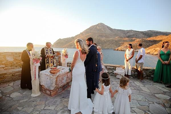 Kαλοκαιρινός γάμος στη Μάνη με λευκά τριαντάφυλλα και ελιά│ Κωνσταντίνα & Νικόλας