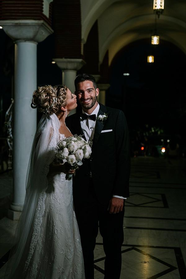 romantic-summer-wedding-peonies-baby-breath-white-tones_02