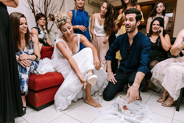 romantic-summer-wedding-peonies-baby-breath-white-tones_04