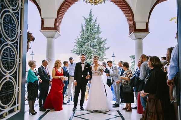 romantic-summer-wedding-peonies-baby-breath-white-tones_19