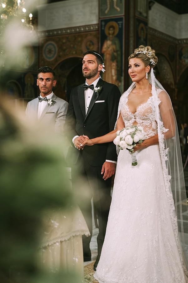 romantic-summer-wedding-peonies-baby-breath-white-tones_23