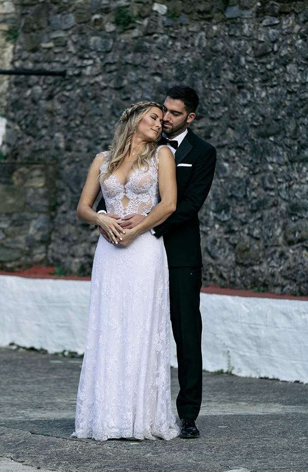 romantic-summer-wedding-peonies-baby-breath-white-tones_27