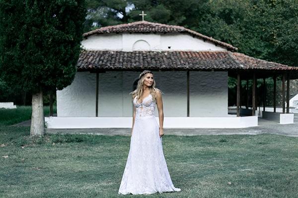 romantic-summer-wedding-peonies-baby-breath-white-tones_29