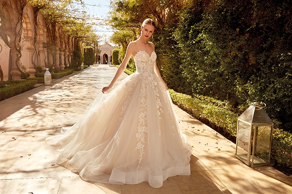 stylish-wedding-dresses-demetrios-that-will-impress-you_01