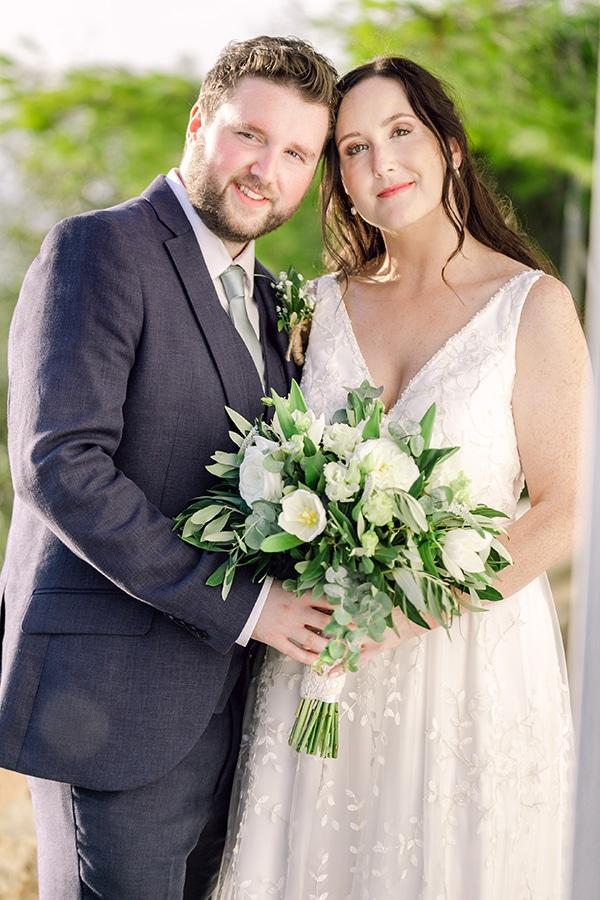 summer-wedding-kefalonia-white-roses-olives_04