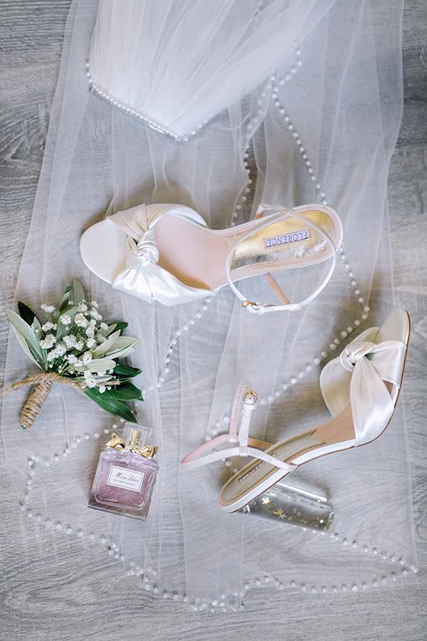summer-wedding-kefalonia-white-roses-olives_05