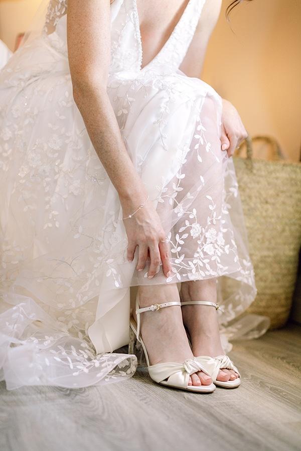 summer-wedding-kefalonia-white-roses-olives_08