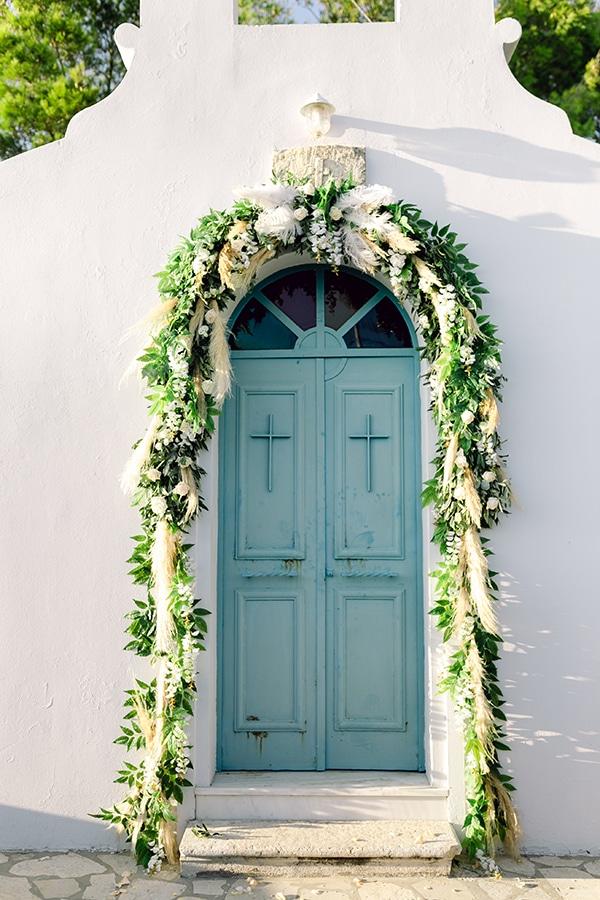 summer-wedding-kefalonia-white-roses-olives_09