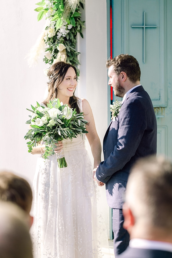 summer-wedding-kefalonia-white-roses-olives_13