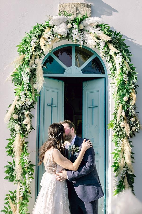 summer-wedding-kefalonia-white-roses-olives_15