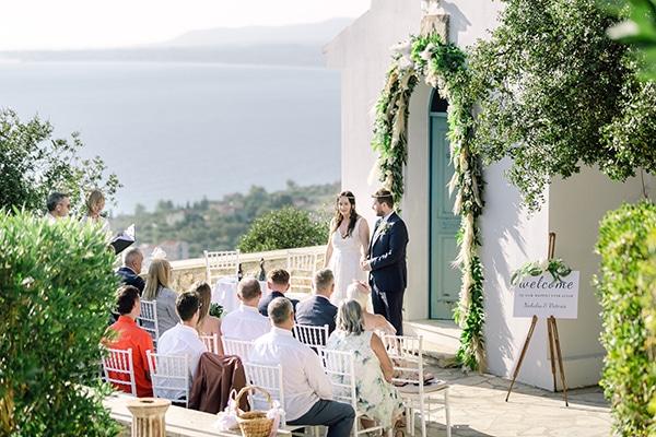 summer-wedding-kefalonia-white-roses-olives_15x