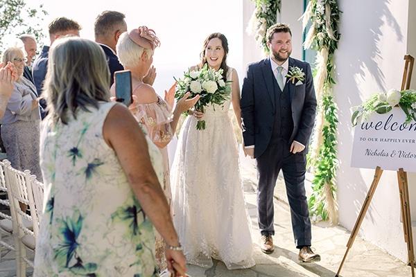 summer-wedding-kefalonia-white-roses-olives_17