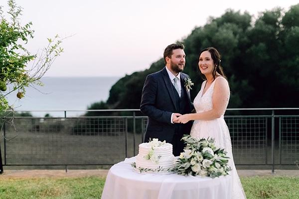 summer-wedding-kefalonia-white-roses-olives_27