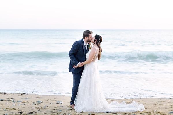 summer-wedding-kefalonia-white-roses-olives_34