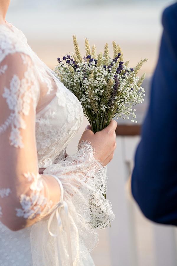 beautiful-wedding-summer-beach-baby-breath-full-of-romantic-elements_12