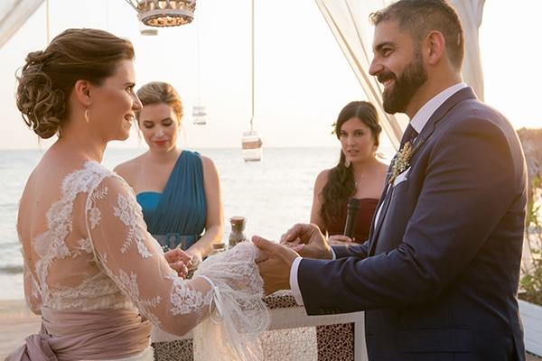 beautiful-wedding-summer-beach-baby-breath-full-of-romantic-elements_17