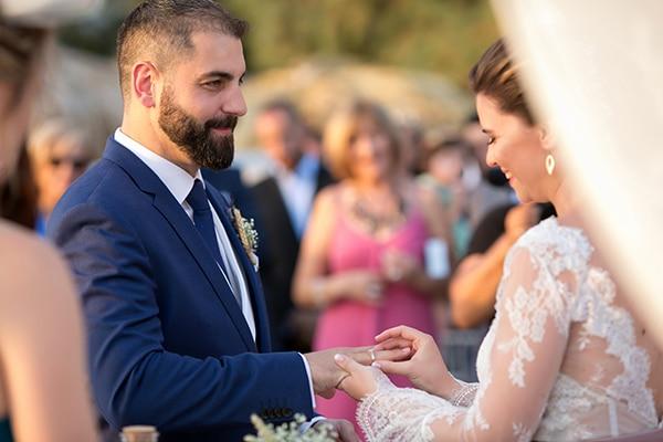 beautiful-wedding-summer-beach-baby-breath-full-of-romantic-elements_18