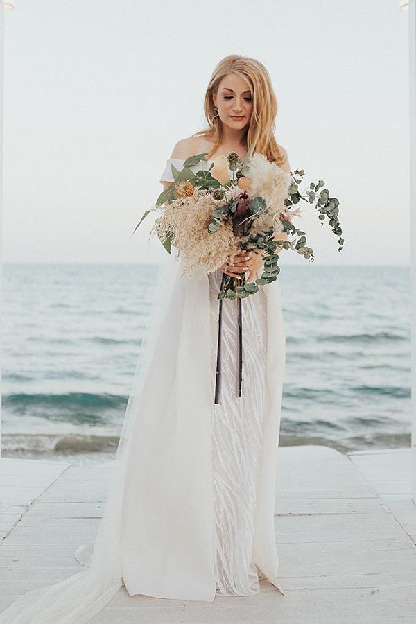 bohemian-chic-wedding-cyprus-pampas-grass-pink-roses_05