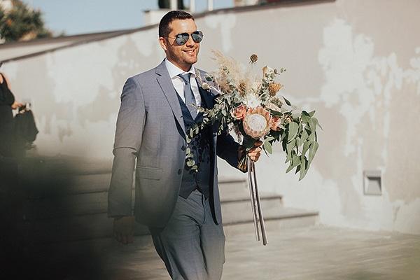bohemian-chic-wedding-cyprus-pampas-grass-pink-roses_15