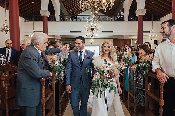 bohemian-chic-wedding-cyprus-pampas-grass-pink-roses_19