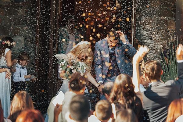 bohemian-chic-wedding-cyprus-pampas-grass-pink-roses_23