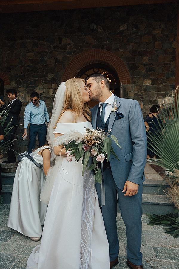 bohemian-chic-wedding-cyprus-pampas-grass-pink-roses_25