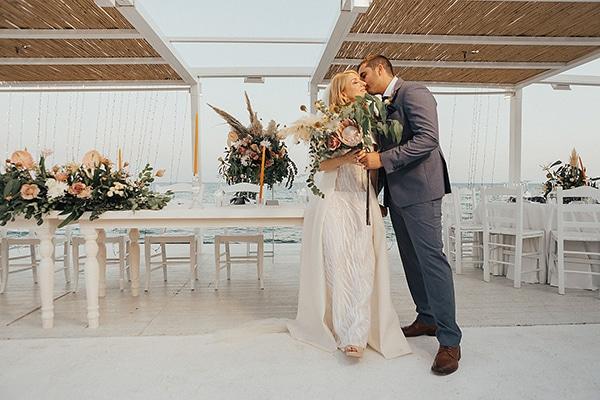 bohemian-chic-wedding-cyprus-pampas-grass-pink-roses_33