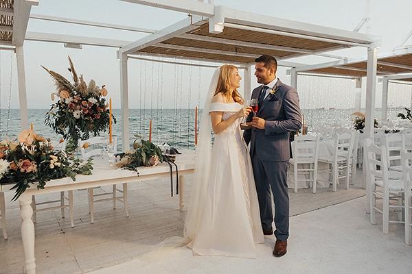 bohemian-chic-wedding-cyprus-pampas-grass-pink-roses_34