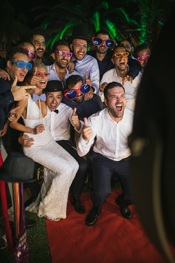 choose-entertaining-experience-shoot-wedding-party_04