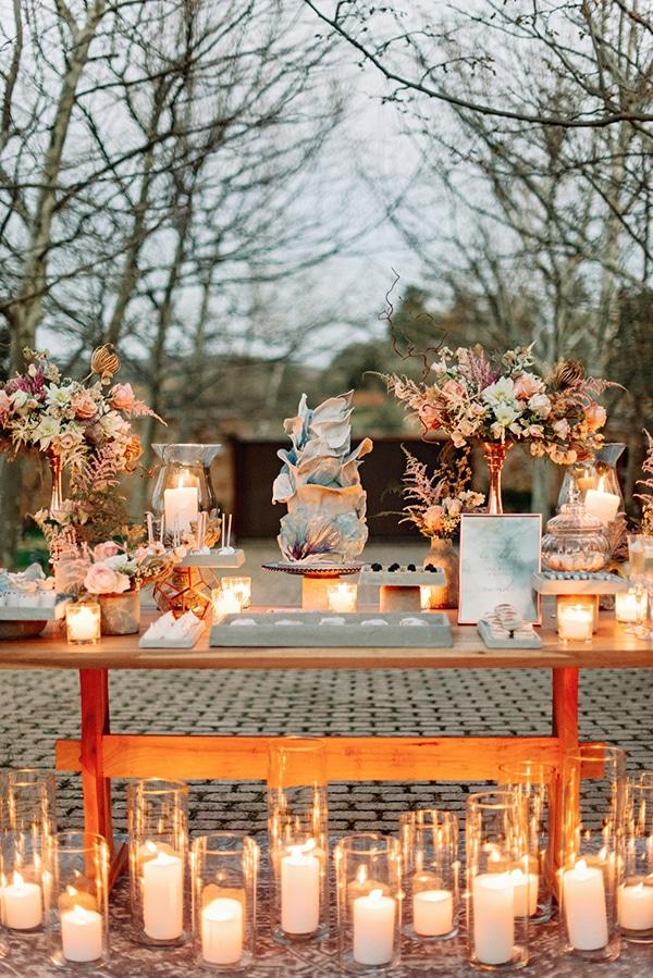 Άκρως ρομαντικό dessert table με αμέτρητα κεριά