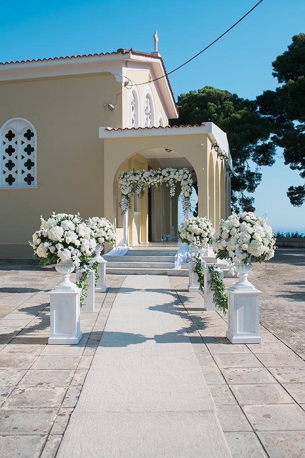 dreamy-wedding-kefalonia-lush-flowers-arrangements-romantic-elements_20