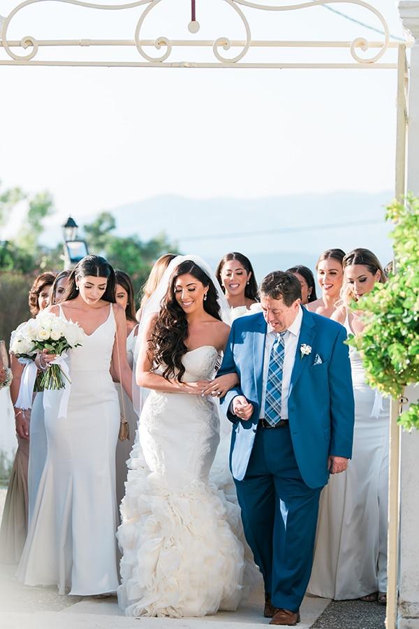 dreamy-wedding-kefalonia-lush-flowers-arrangements-romantic-elements_21