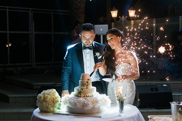 dreamy-wedding-kefalonia-lush-flowers-arrangements-romantic-elements_32
