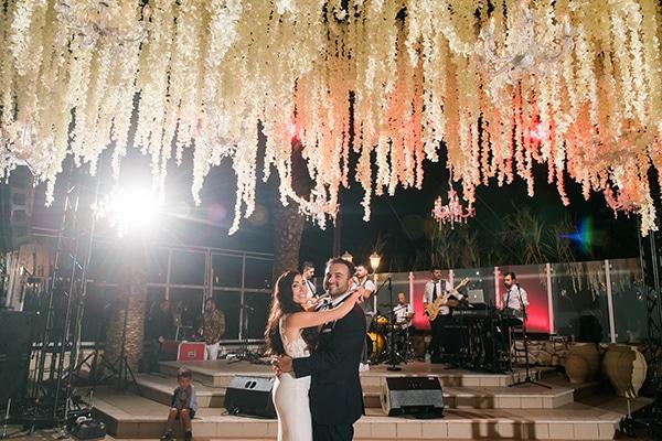 dreamy-wedding-kefalonia-lush-flowers-arrangements-romantic-elements_33