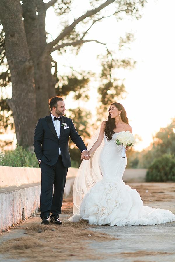 dreamy-wedding-kefalonia-lush-flowers-arrangements-romantic-elements_34