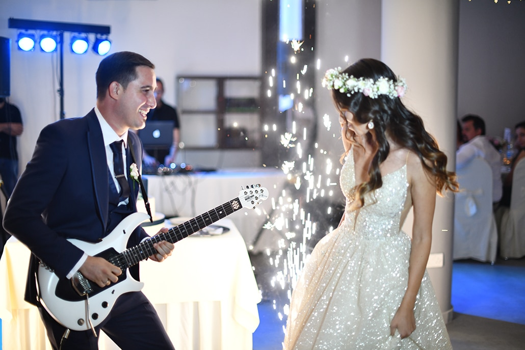 Elegant – chic καλοκαιρινός γάμος στο Pavillion Hall με τριαντάφυλλα και ορτανσίες σε λευκές – ροζ αποχρώσεις και χρυσές πινελιές │Κωνσταντίνα & Γιάννης