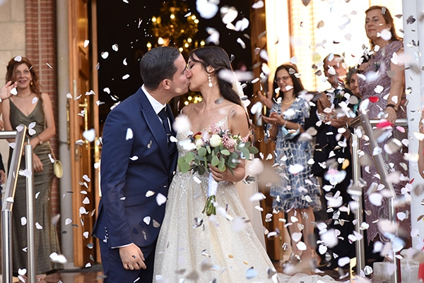 elegant-chic-summer-wedding-pavillion-hall-roses-hydrangeas-white-pink-hues-gold-details_17