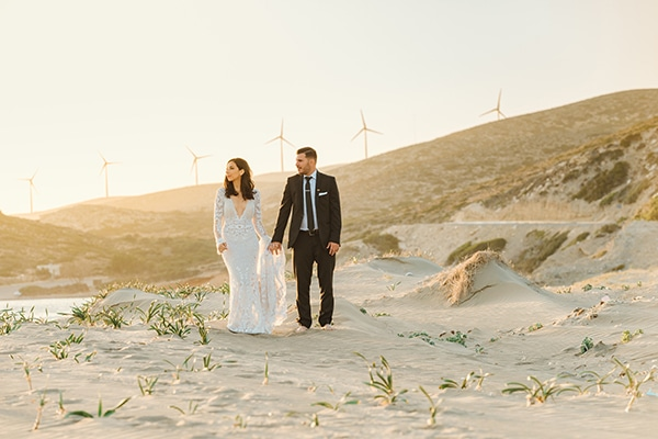 elegant-chic-wedding-rhodes-white-flowers-gold-touches_02